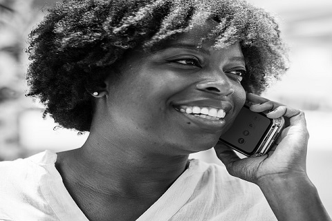 Otubio.com - ethiopian woman calling on phone